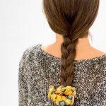 scrunchie amber indossato